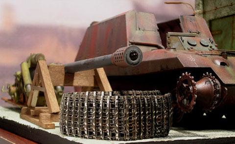 Die nackte Kanone Baujahr 1945.