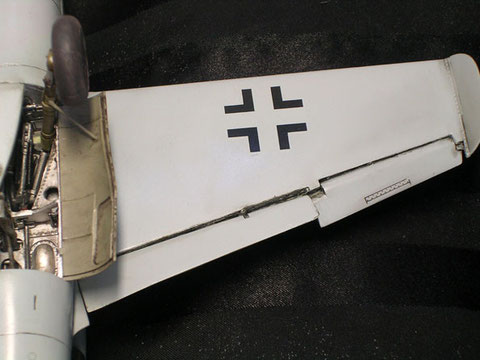 Landeklappen ausgeschnitten und verfeinert.
