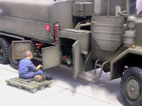 Die Klappen der Pumpstation sind alle geöffnet und erlauben Wartungsarbeiten.