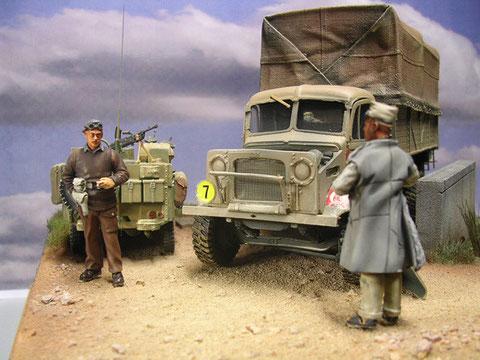 Britischer Officer mit einheimischen Fahrer