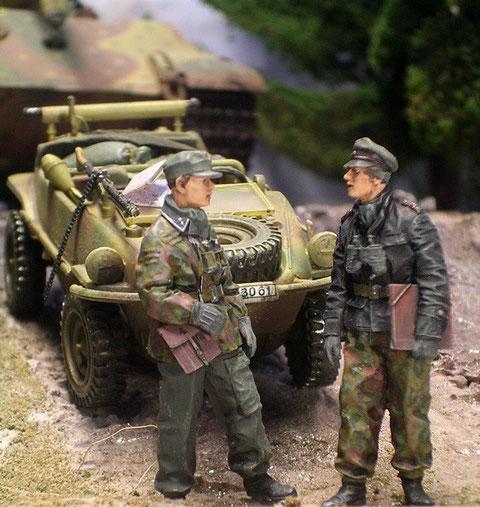 Im Kübel befand sich Unterscharführer Ochsner und sein Fahrer 1. SS Panzer-Aufklärungsabteilung Kg. Knittel. Die hatte den Auftrag, durch Rechtsschwenk Kurs auf Rollbahn D zu nehmen und sich in Stavelot der Kg. Peiper anzuschließen.