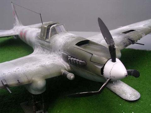 Die mit Wärme verbogenen Propellerblätter warten auf ihre Crash-Situation.