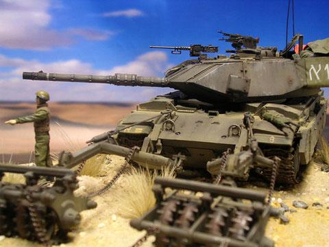 Die spitze Keilform der neuen Turmfront erinnert an die neuesten Leopard-Panzer der BW.