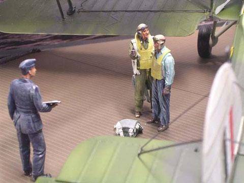 Besatzung und Flying Officers von Nemrod und Dartmoor