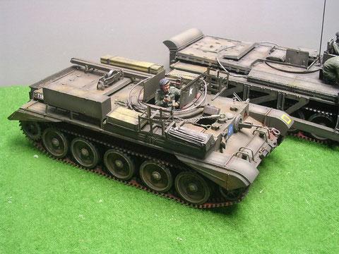 Die Schleppervariante erhielt eine Turmabdichtung und neue Staukästen für Abschleppwerkzeug.