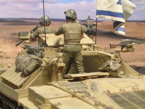 Große Hecköffnung im Panzeraufbau ermöglicht den schnellen Zu- und Ausgang.