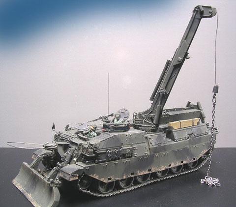 Auch der Challenger-ARV, als direkter Nachfolger des Cheiftain ARV ist von Accurate Armour. Er verfügt über eine kräftigen Hebekran für den Triebwerkswechsel