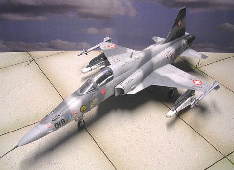 Das schweizer Einsatzmuster mit der veränderterten Flügelkante als Jabo-Ausführung. Heute wird die F-5 in der Schweiz nur bei der nationalen Kunstflugstaffel eingesetzt (Bilder folgen, Modell ist da!)