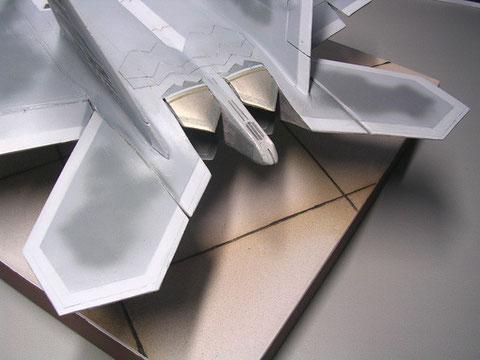 Deutlich unterscheiden sich die Höhenruder von der Prototyp-Form.