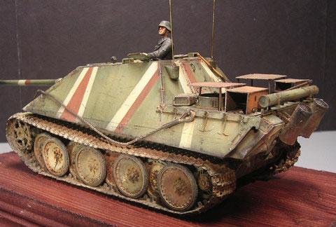 Beachte die zusätzlichen Panzerplatten der Truppe auf den Lüfteröffnungen - ein Tribut an die Tieffliegergefahr.