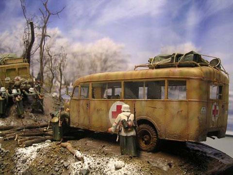 Die geringe Bodenfreiheit des Busses war im Gelände sicher ein Problem.