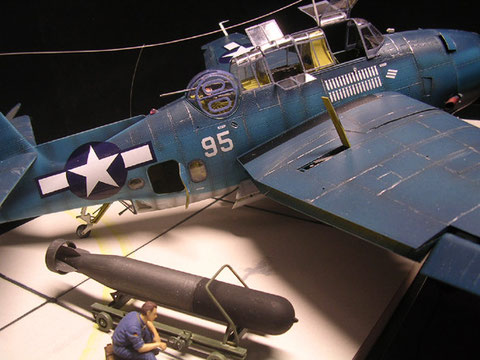 Der Mark.V Torpedo ist mit Transportwagen enthalten!