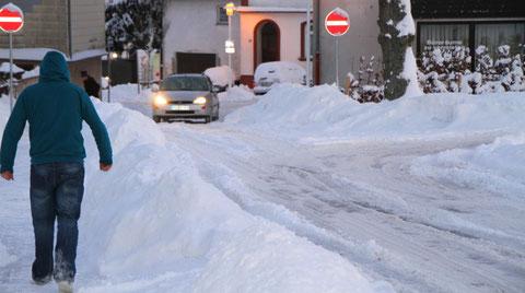 Die Straße bei uns vorm Haus