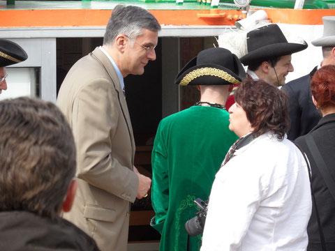 natürlich war auch Holzmindens Bütgermeiste Daul dabei