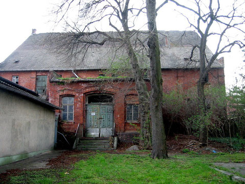 """Saal des """"Grünen Baum"""" 2005 kurz vor dem Abriss - Hier sprach Ernst Thälmann im Jahre 1925"""