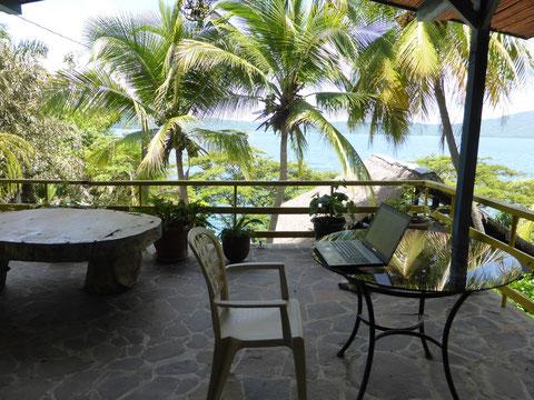 """Mein """"Arbeitsplatz"""" im Hotel SelvaAzul an der Laguna Apoya - ganz nett oder?"""