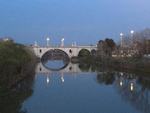 Tramonto a Roma - da Ponte Milvio guardando verso nord - Aprile 2012