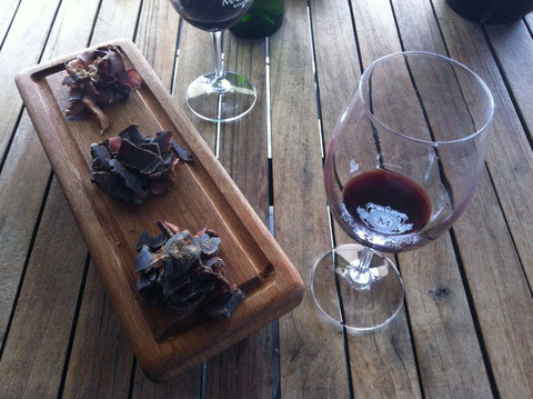 Rotwein mit Biltong