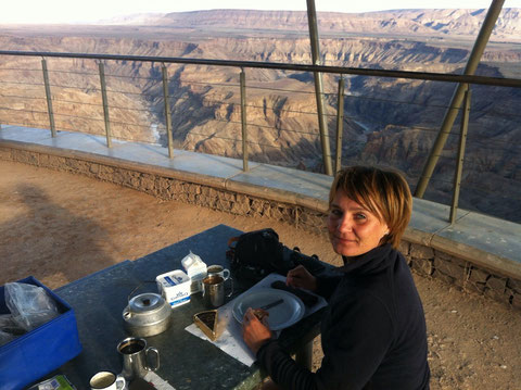 Frühstück am Fish River Canyon