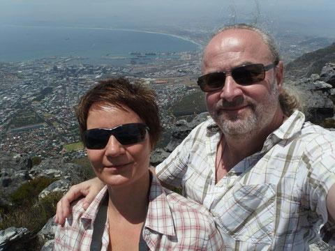 Auf dem Tafelberg mit Blick auf Kapstadt