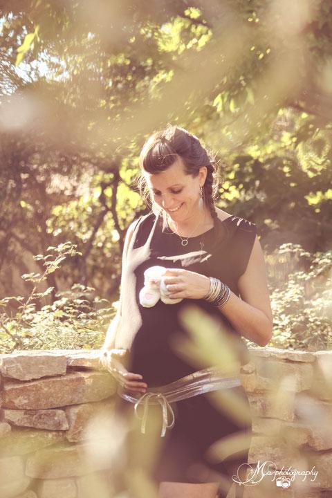 photo grossesse en extérieur automne