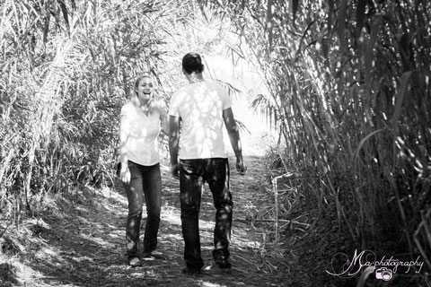 Séance engagement en Camargue, séance photo couple, engagement