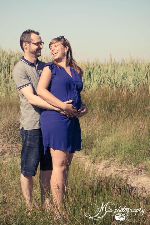 Julie et Bastien seance photo grossesse saint laurent d'aigouze