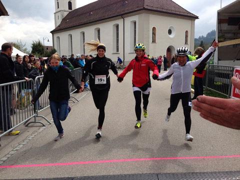 v.l.n.r. Heim Ronja (Inline), Spielhofer Leonie (Läufe), Forchini Ramona (Bike), Baumann Nancy (Rennvelo)