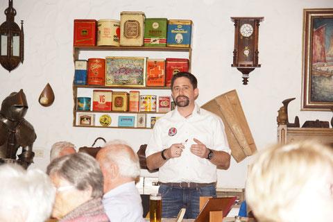 Verbindungsstellenleiter Markus Glock gab einen kurzen Abriß über das vergangene Jahr und die zahlreichen Aktivitäten der IPA und informierte über geplante Veranstaltungen.