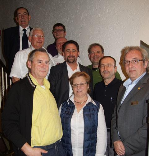 Neu gewählte Vorstandschaft, Markus Glock (Bild Mitte), Joe Weidner als Vertreter der Landesgruppe (rechts außen)