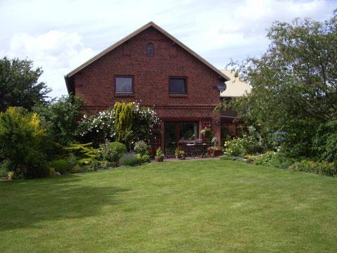 Unser Haus von der Gartenseite