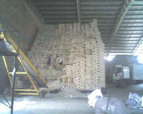 Azúcar para exportación en el puerto de embarque
