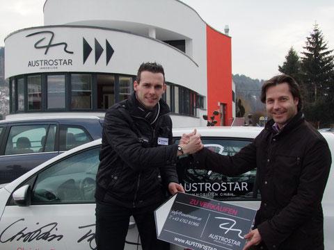 (Christian Troger mit Mag. Markus Unterdorfer-Morgenstern, dem Geschäftsführer der Austrostar Immobilien GmbH vor der Firmenzentrale in Seeboden)