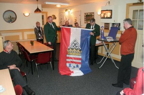 Übergabe der Kronberger Fahne