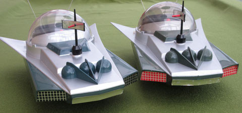 KX 2000 SLJ char tole espace space tin tank