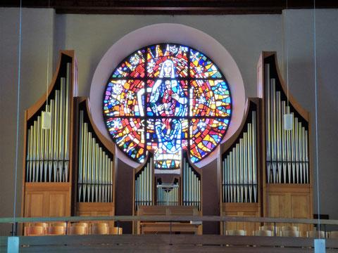 Bild der Orgel in der Pfarrkirche Altenstadt