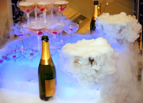 Шампанского всем!