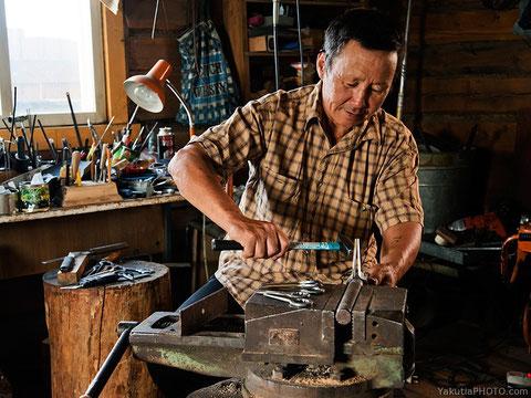 Степан Толстяков, один из лучших мастеров якутских хомусов. Фото Айар Варламов