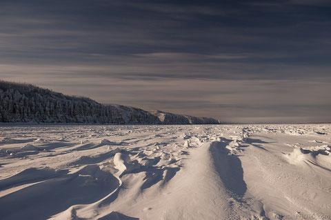 Река Лена зимой. Фото Болот Бочкарев.  YakutiaPhoto.com