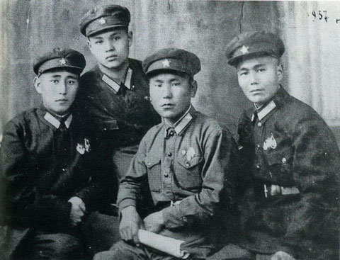 Якутские курсанты летчики 1937 г