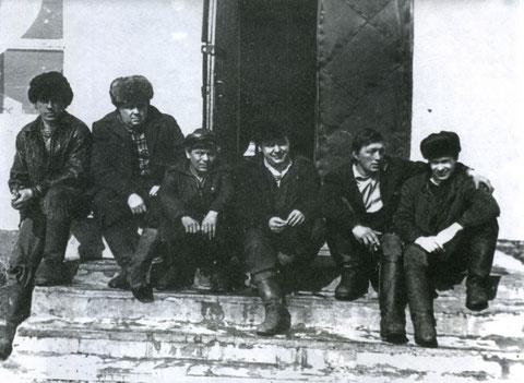Работники цеха ССРЗ. Жатай, Якутия