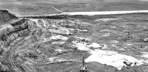 Карьер добытчиков алмазов «Айхал». Якутия, 1961 г