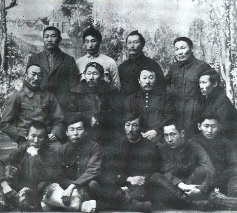 Кулаковский среди якутской интеллигенции