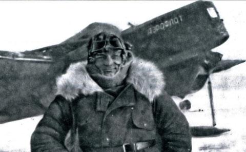 Летчик С.А. Асямов
