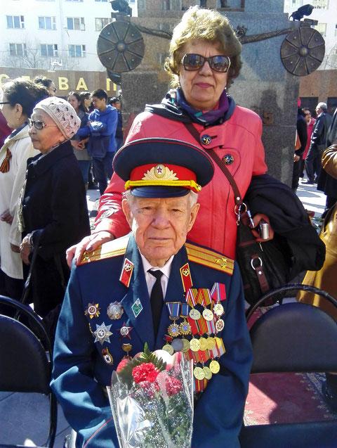 П.Н. Токарев на открытии мемориала участникам ВОВ с дочерью В.П. Кочетковой. Фото В. Корниловой