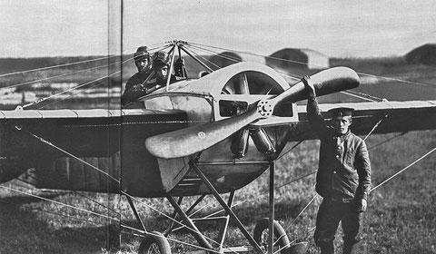 Перед вылетом. Гатчинская авиашкола. Гатчина. 1913