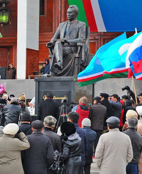 Открытие памятника Д.К. Сивцеву в Якутске