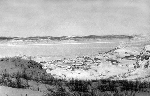 Зима на реке Лене. Поселок лесозаготовителей. Якутия.
