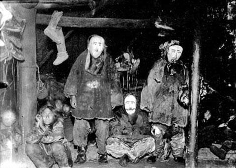 Коряки в деревянных масках