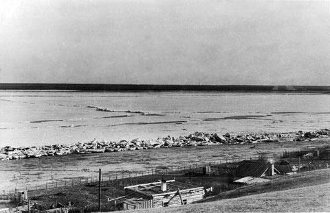 Подвижка льда на реке Лена. Покровск, Якутия